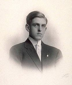 Sidney Coe Howard 1909.jpg