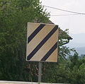 Signalni znak početak ograničene brzine.jpg