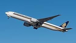Singapore Airlines Boeing 777-312ER 9V-SWK MUC 2015 03.jpg