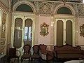 Sofá y sillería isabelinas - Comedor del Palacio del marqués de Dos Aguas 01.jpg