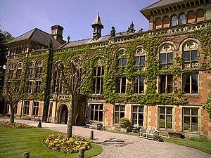 Soughton Hall - Image: Soughton Hall (geograph 2404507)