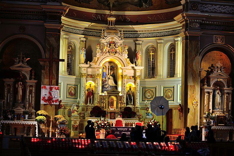 File:St. Hyacinth Basilica - Interior (8183917178).jpg