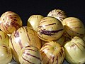 Starr-140402-0155-Solanum muricatum-fruit-Hawea Pl Olinda-Maui (24945967630).jpg