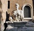 Statue parlanti - Madama Lucrezia 02.jpg