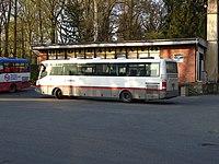Strančice, Průmyslová 272, potraviny, autobusová otočka, autobusy (01).jpg
