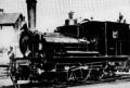 Tösstalbahn-Dampflokomotive Nummer 3 Bauma mit Baujahr 1875.png
