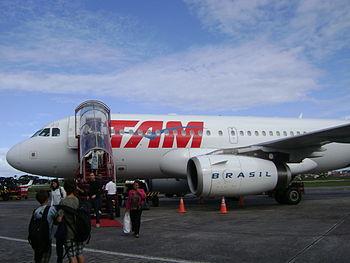 Português: Airbus A319 da TAM no Aeroporto de ...