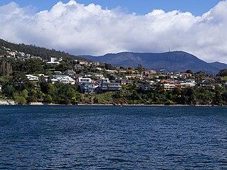 Taroona - Image: Taroona properties front Derwent River