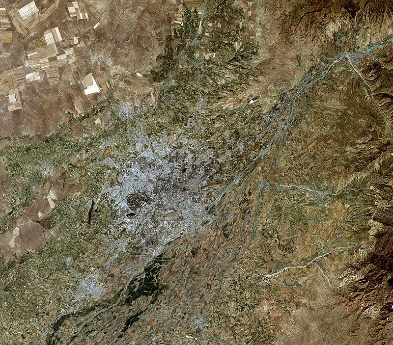 Tashkent, Uzbekistan, city and vicinities, satellite image LandSat-5,2010-06-30.jpg