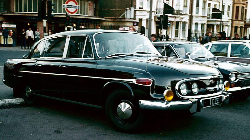 File:Tatra mit Ro80 im Hintergrund color corrected.jpg