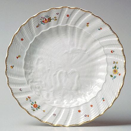 Meissen plate from the huge and famous Swan Service, 1737-1742 Teller Schwanenservice.jpg