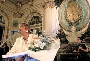 Teresa Parodi - Teresa Parodi performing at the Casa Rosada in 2004.
