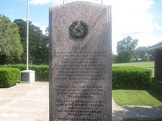 Mansfield State Historic Site - Monument honoring Texas soldiers at the Battle of Mansfield