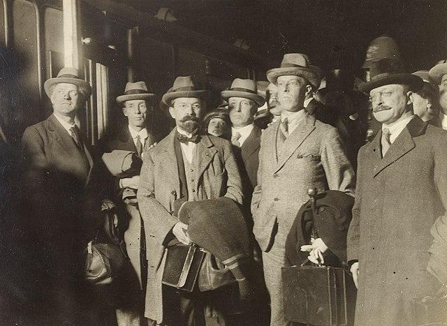 Cynrychiolwyr Iwerddon yn y trafodaethau 1921
