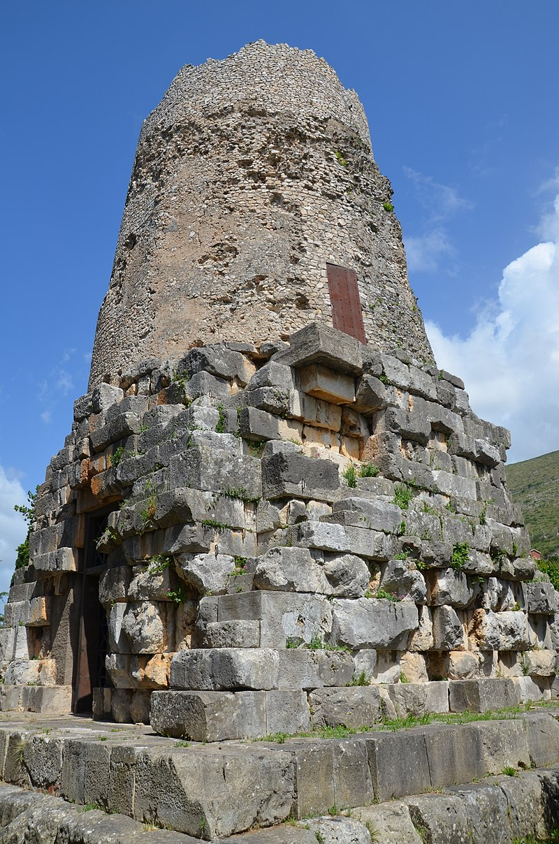 The so-called Tomb of Cicero, Formia (14358511388).jpg