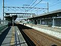 Tobu-railway-isesaki-line-Minami-hanyu-station-platform.jpg