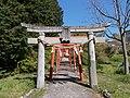 Torii on sando to Kagamiyama-jinja 01.jpg
