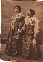 Traditional dress of Arbëreshë women in Piana degli Albanesi.jpg