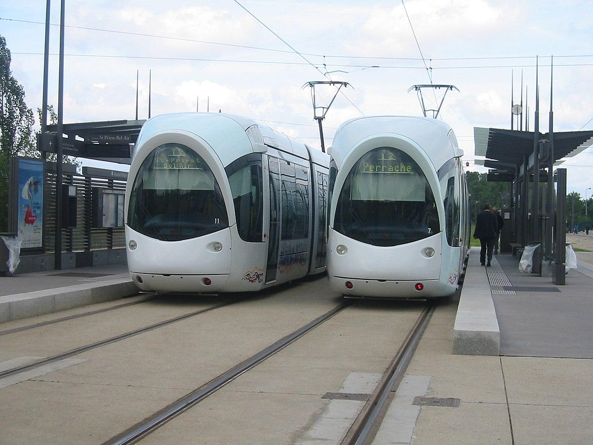 Tram stop - Wikipedia