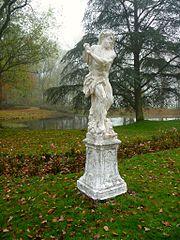 Tuinbeeld van de halfgod Hercules