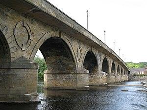 Grade II* listed buildings in Northumberland - Image: Tyne Bridge, Hexham (east side) geograph.org.uk 818721