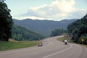 Pine Mountain (Appalachian Mountains) - US 23 in Kentucky with Pine Mountain in the background