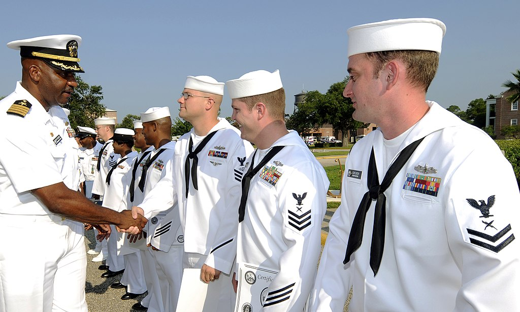 File:US Navy 090709-N-5328N-209 Capt. Gary Edwards, commanding ...