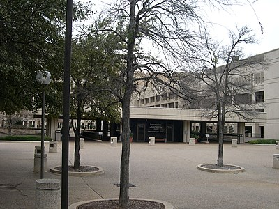 UT Southwestern Dallas Plaza1.jpg