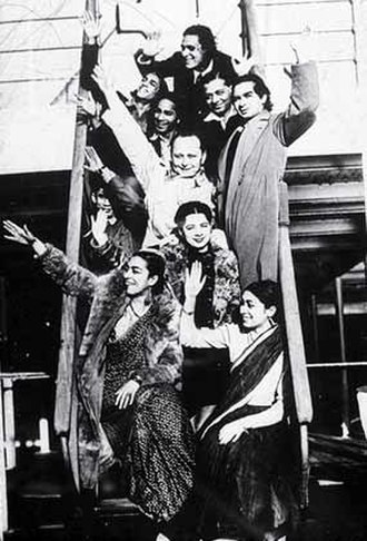 Zohra Sehgal - Zohra Segal and Uzra Butt part of the 'Uday Shankar Ballet Troupe', ca 1935–37.