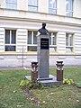 Uhlířské Janovice, Masarykova busta.jpg