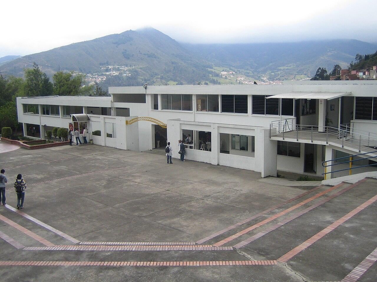 Universidad de pamplona - Oficinas santander pamplona ...