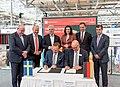 Unterzeichnung des Partnerlandvertrags 2019 mit Schweden durch Fredrik Fexe und Marc Siemering auf der Hannover Messe 2018 05.jpg