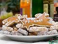 Vánoce, cukroví na talíři.jpg