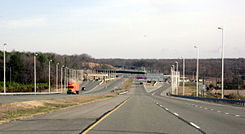 VA 895 toll plaza.jpg