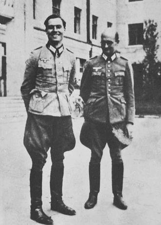 Claus von Stauffenberg - Stauffenberg (left) and Albrecht Mertz von Quirnheim in 1944