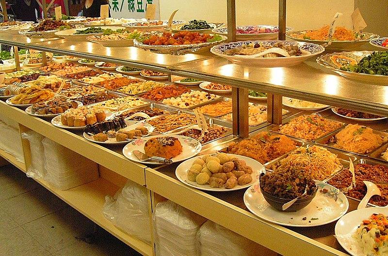 các vật dụng phục vụ cơ bản trong nhà hàng buffet