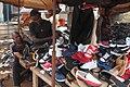 Vendeur ambulant de chaussure 03.jpg