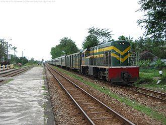 North–South railway (Vietnam) - Train waiting at Phu My, north of Quy Nhơn