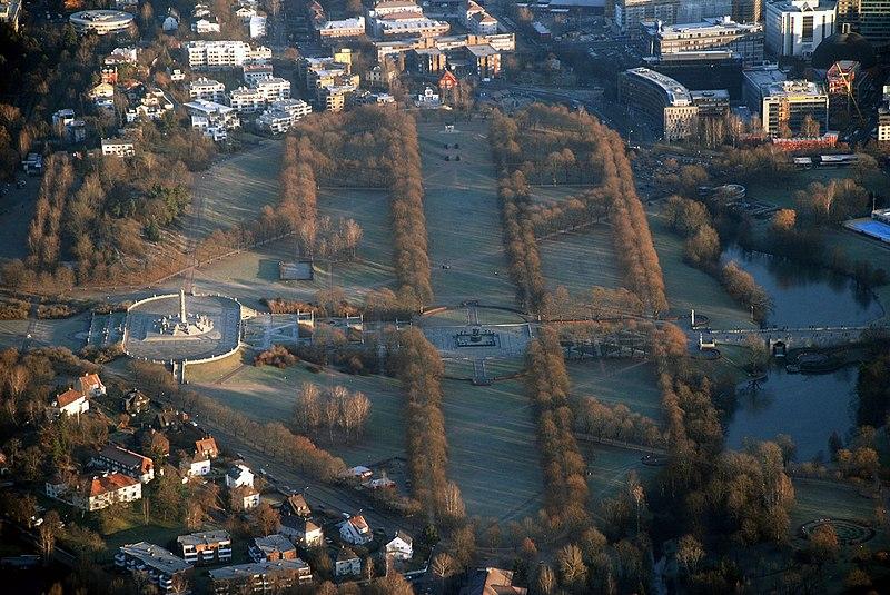 File:Vigelandsparken air.jpg