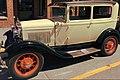 Vintage Ford (41811213831).jpg