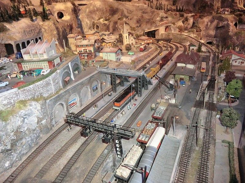 Vue intérieure du musée du train miniature de Châtillon-sur-Chalaronne.