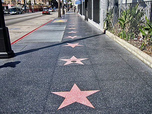 Le Hollywood Walk of Fame sur le Hollywood Boulevard.  (définition réelle 2 816 × 1 880)