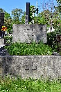 Wiener Zentralfriedhof - Gruppe 12 C - Grab von Otto Prutscher.jpg