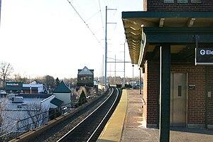 Woodbridge station (NJ Transit) - Image: Woodbridge station 03
