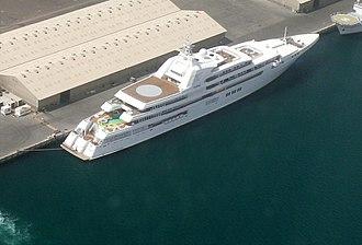 Dubai (yacht) - Image: Yacht Dubai on 8 May 2008