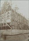 zicht op noordgevel en oostgevel raadhuis tijdens restauratie - hasselt - 20319904 - rce