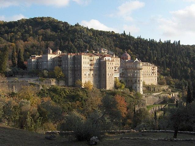 https://upload.wikimedia.org/wikipedia/commons/thumb/0/0f/Zograf_Monastery.jpg/638px-Zograf_Monastery.jpg