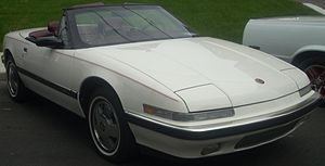Buick Reatta - 1990 Buick Reatta convertible