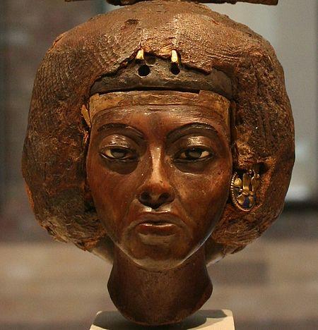 Ägyptisches Museum Berlin 027 detail 01.jpg