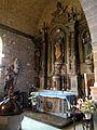 Église Notre-Dame de Montfarville - Autel latéral nord et Fonts baptismaux.JPG